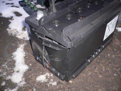 Поврежденный корпус устройства